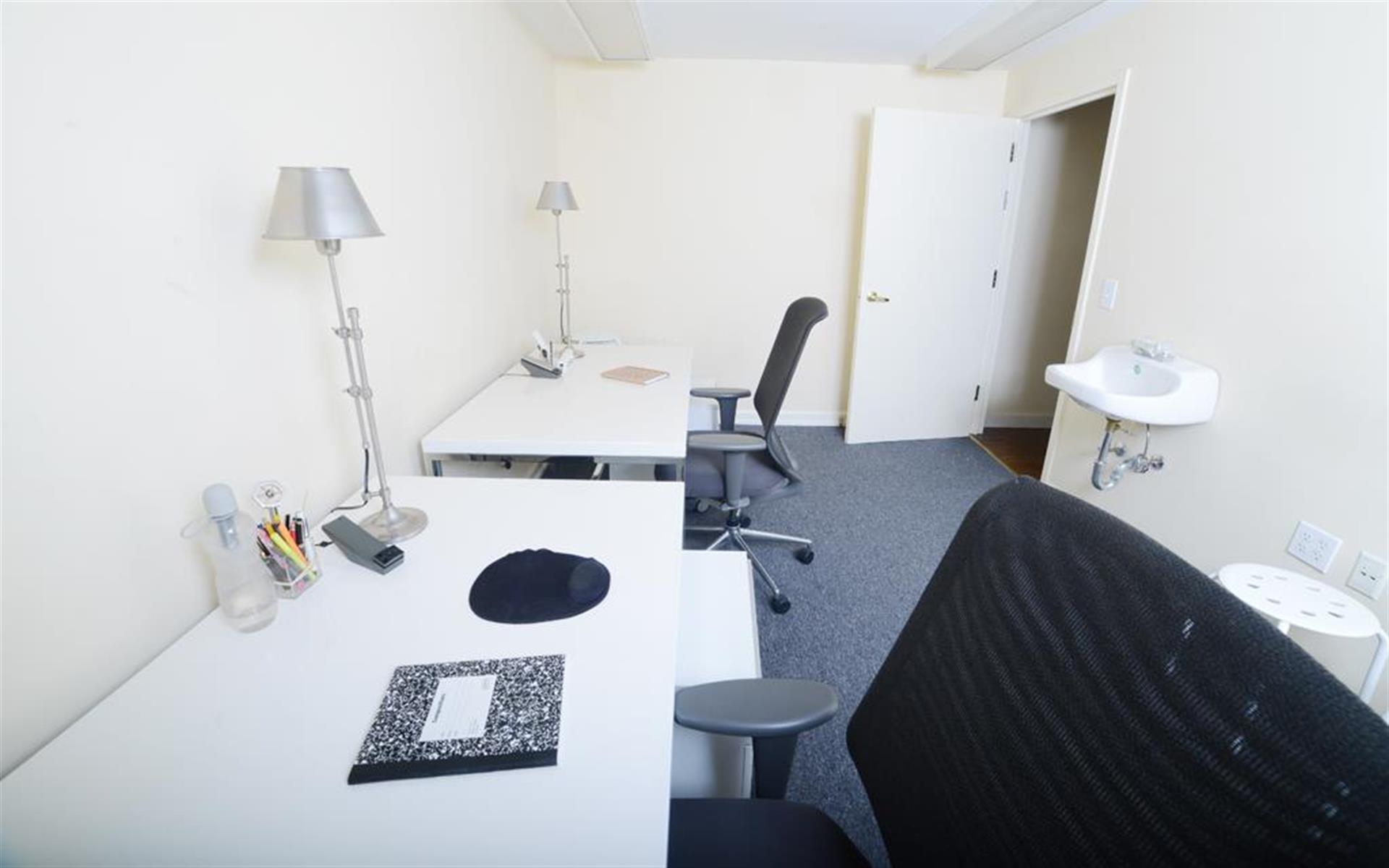Space69.com - G4 - 6-8 person office suite