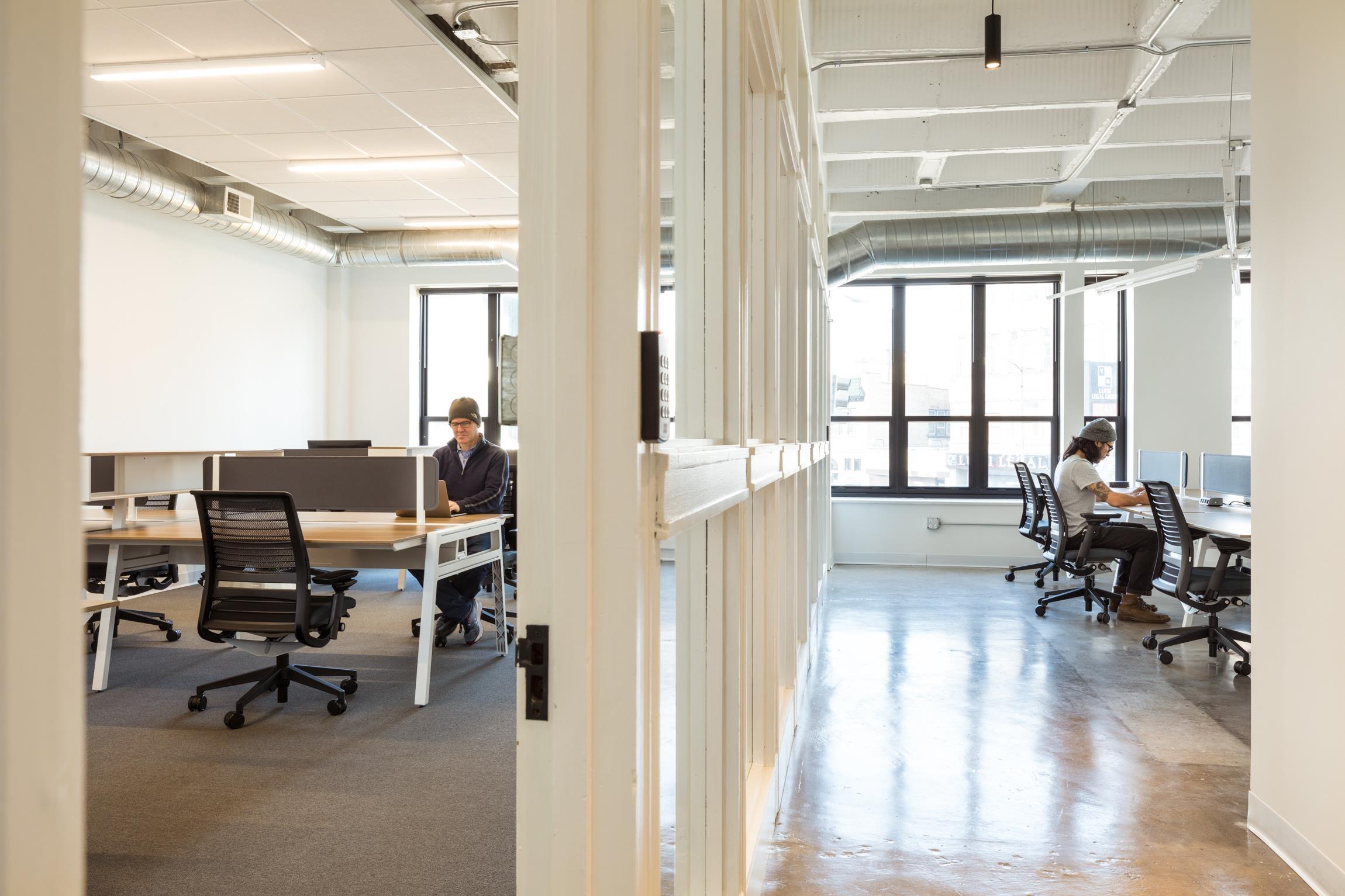 Platform Coworking Wicker Park - Resident Desk