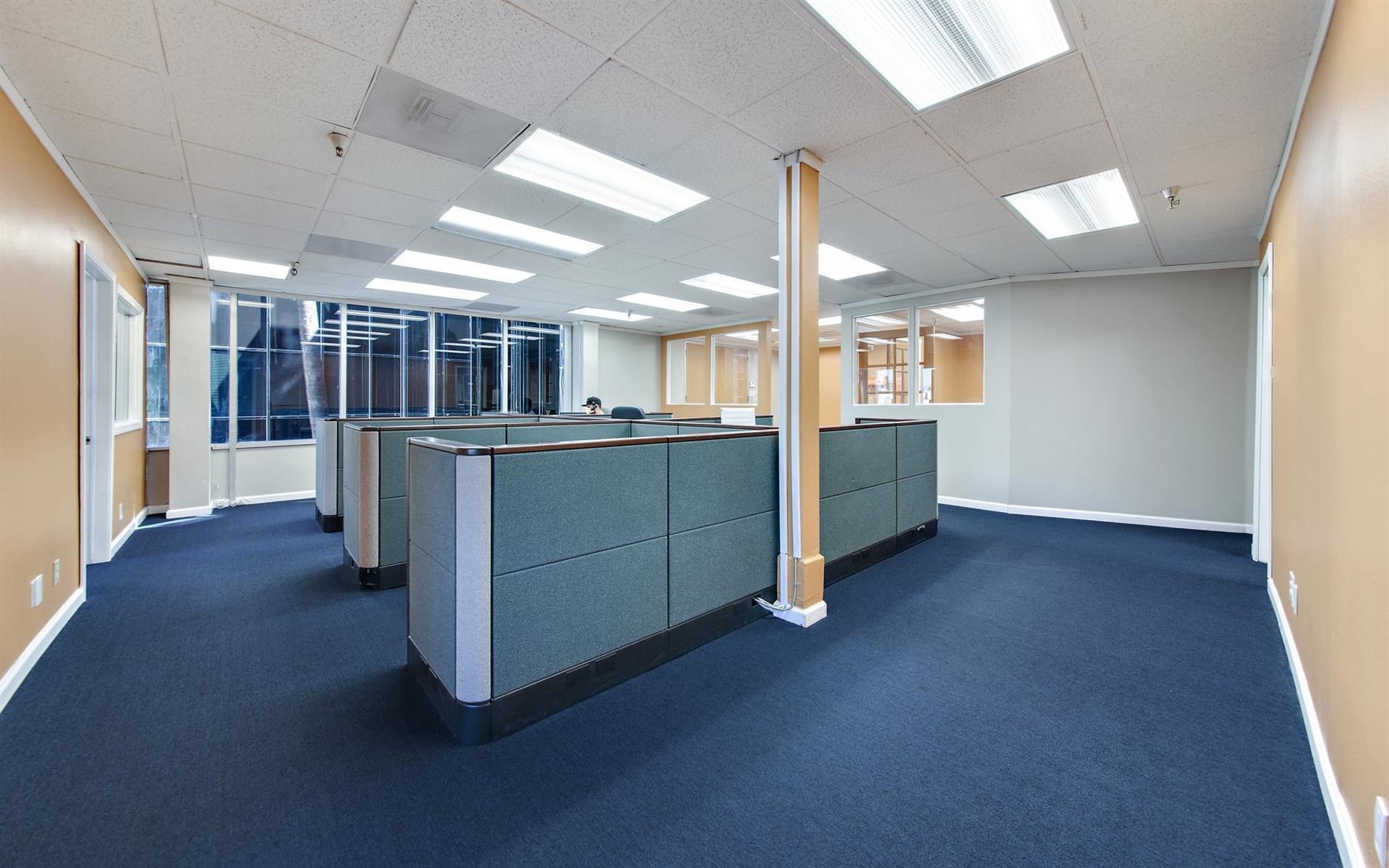 16200 Ventura Blvd. - Team Office 301