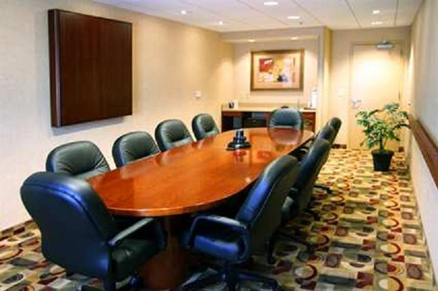 Hampton Inn & Suites Bloomington - Normal - Jesse Fell Board Room
