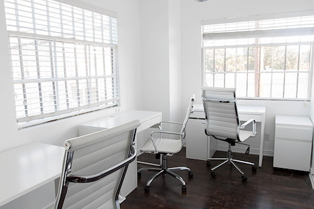 Beach House CoWork - Office Space for 2-3