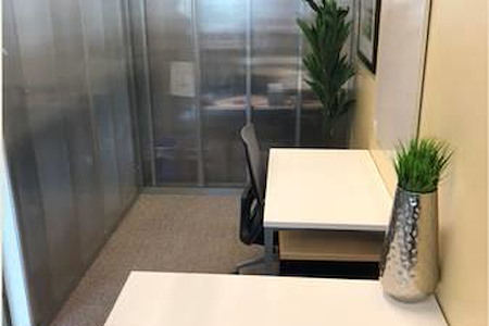 Regus | SOMA - Dedicated Desk 1