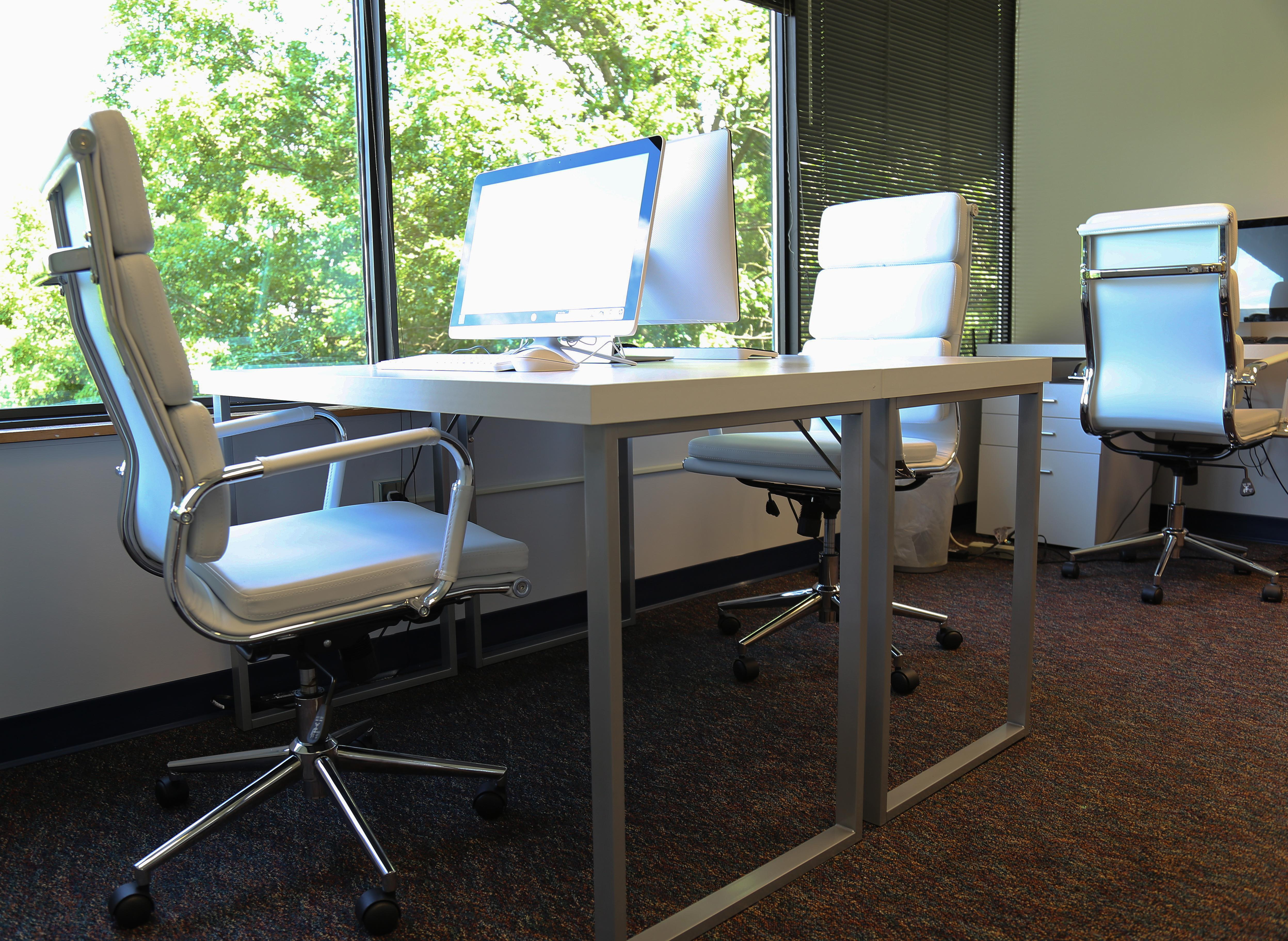 Perfect Office Solutions- Columbia - Private Desk