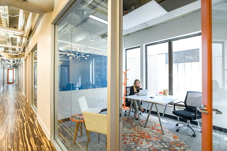 Novel Coworking 5th Avenue - 2-3 Person Window Office