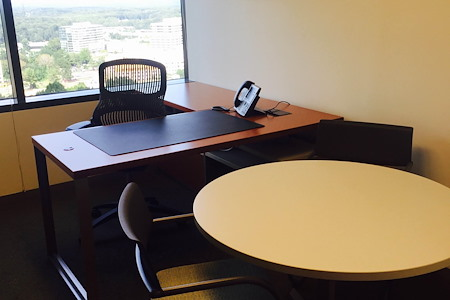 Carr Workplaces - Tysons - Office 1501