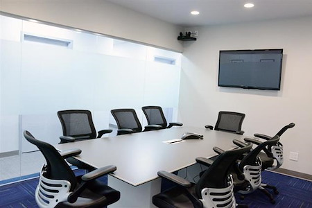 TKO Suites - Downtown - Conference Room for 8 People