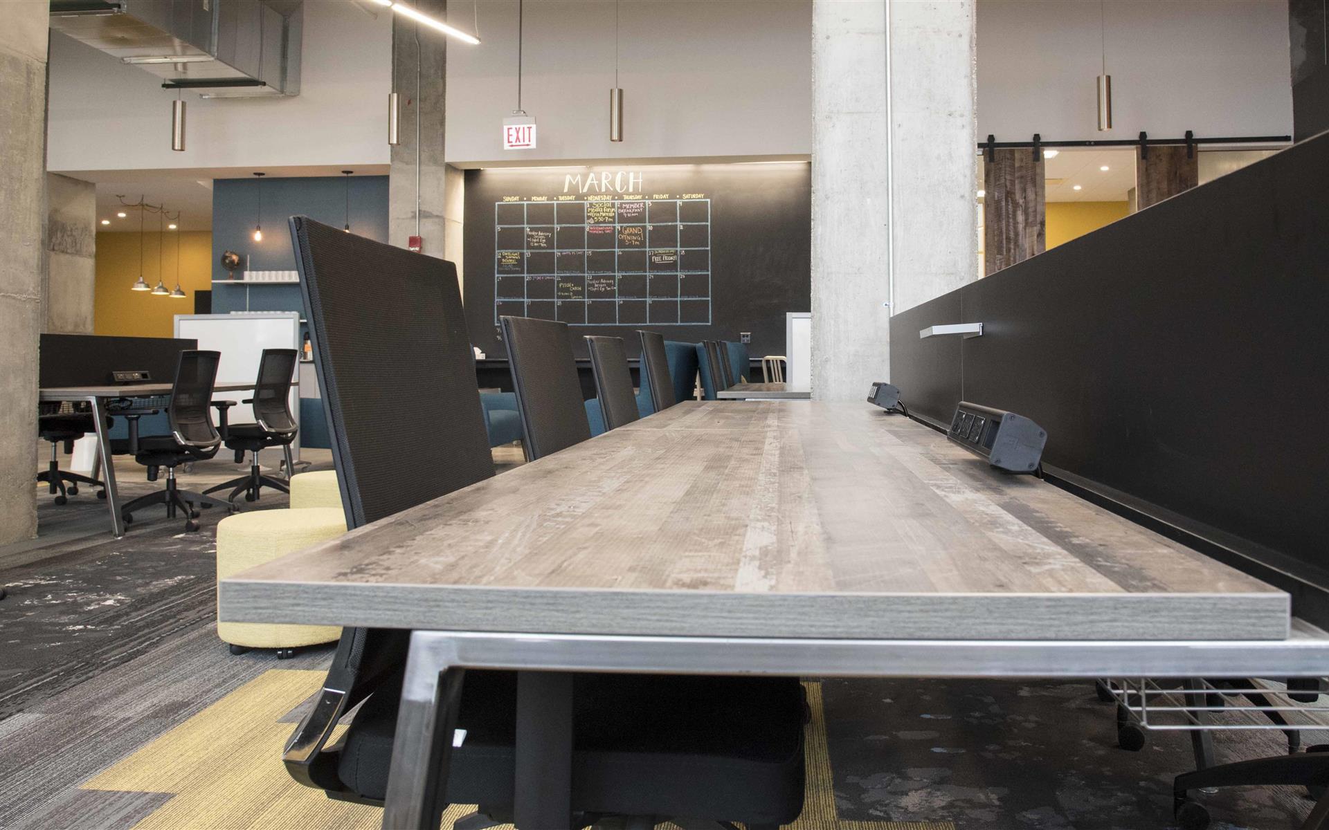 25N Coworking - Arlington Heights - Basic Coworking Workspace