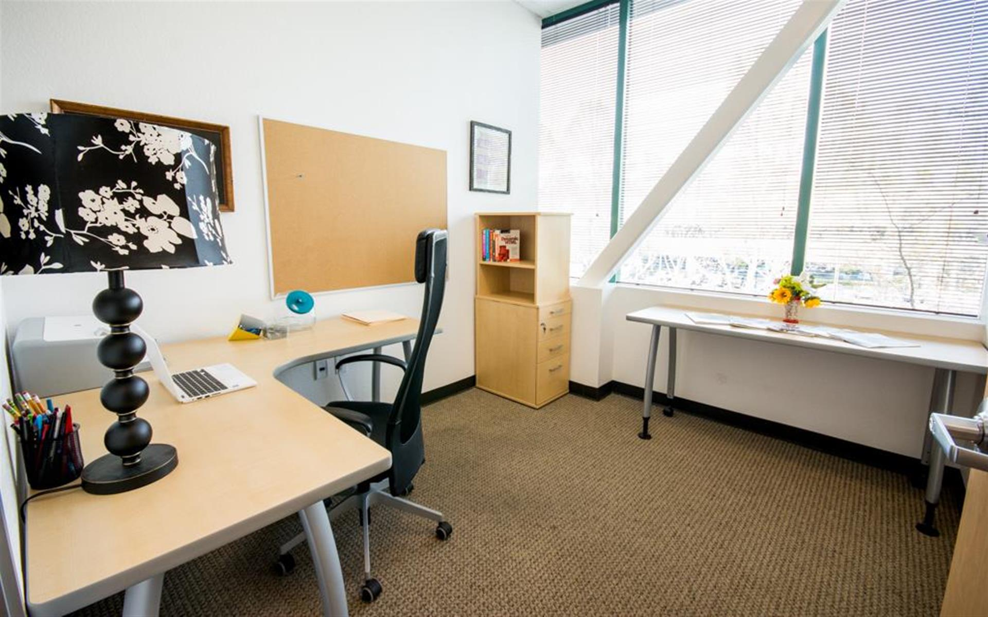 Innoworld - Exterior Private Office