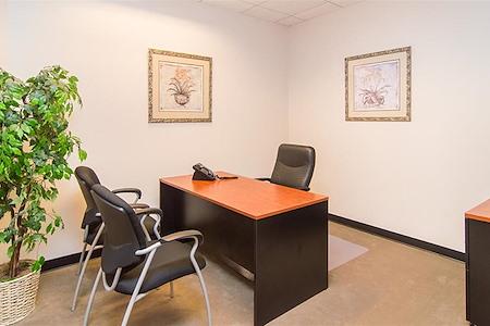 (4MB) 4000 McArthur - Interior Office