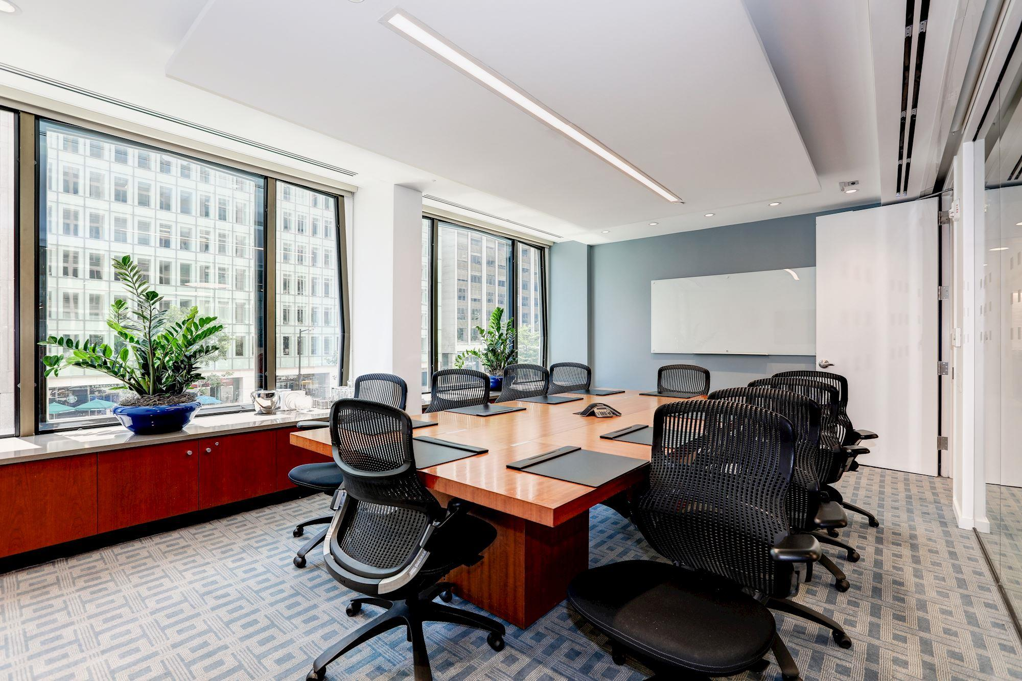 Carr Workplaces - Pennsylvania Avenue - Leedy Boardroom