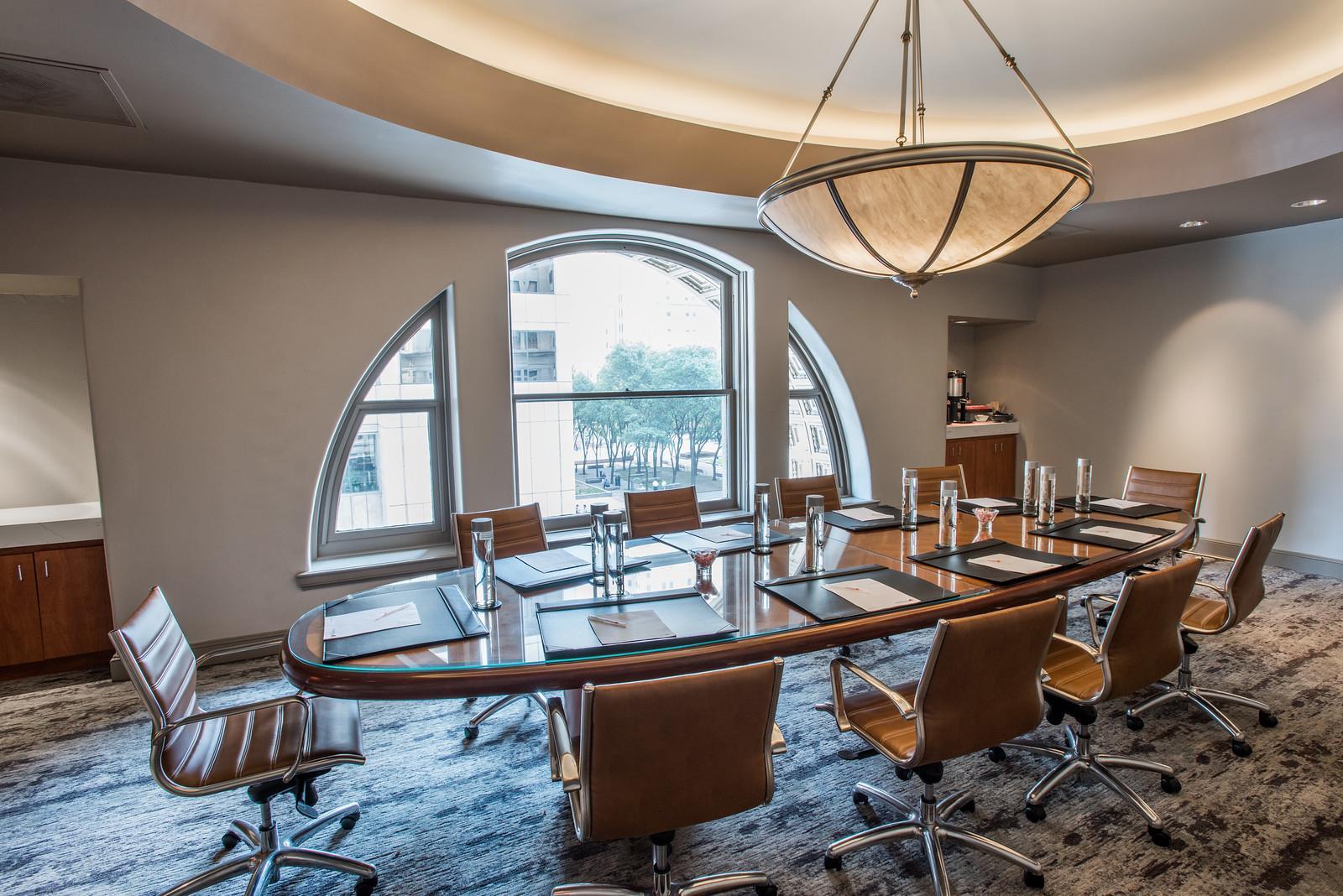 Magnolia Hotel Dallas Downtown - Bossom Room