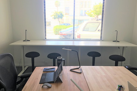 Beach House CoWork - Office for 3-4 People