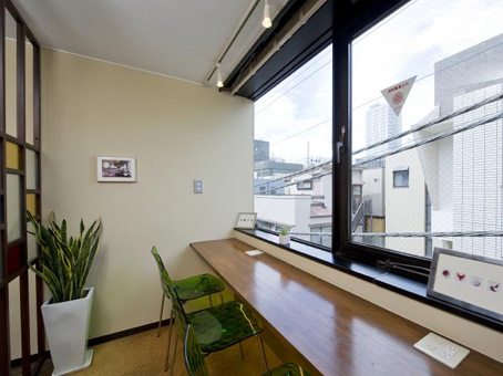 Regus   Tokyo, Minami-Aoyama (Open Office) - Dedicated Desk