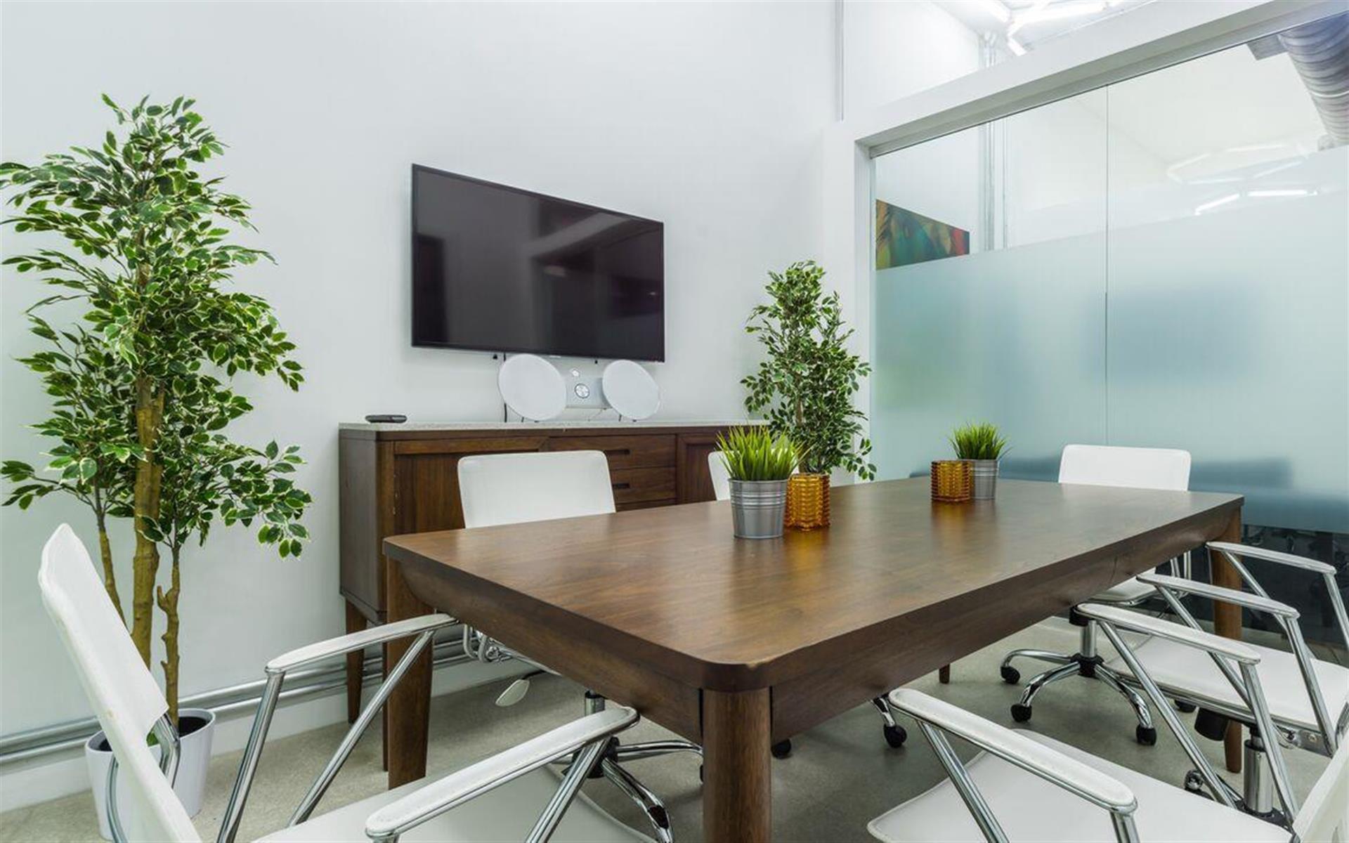 Carbon Wynwood - Conference Room