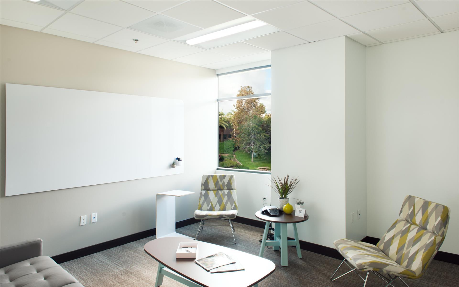 Avanti Workspace - Carlsbad - Shorebreak Meeting Room