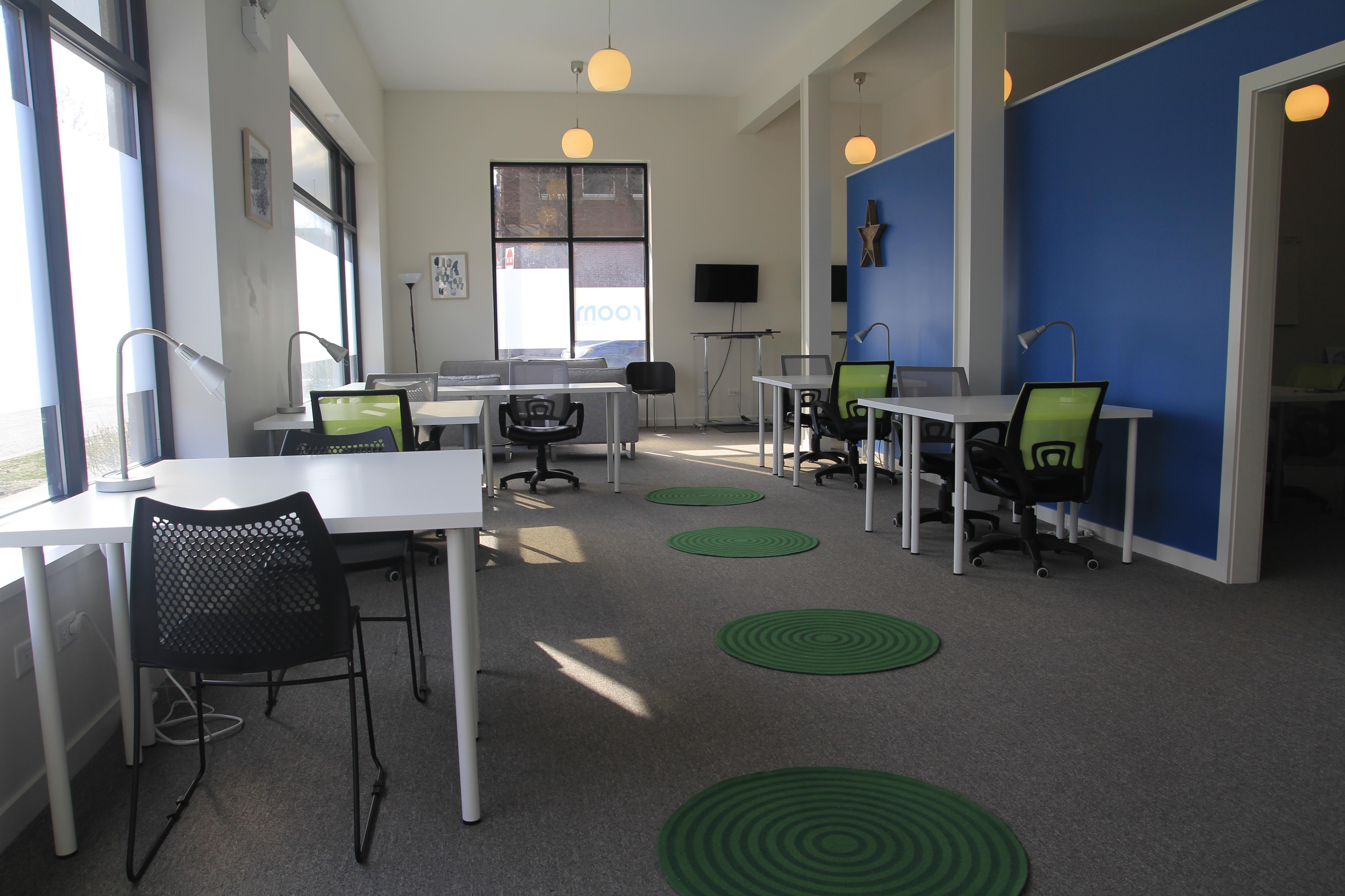 Room to Grow - Flex Desk 1