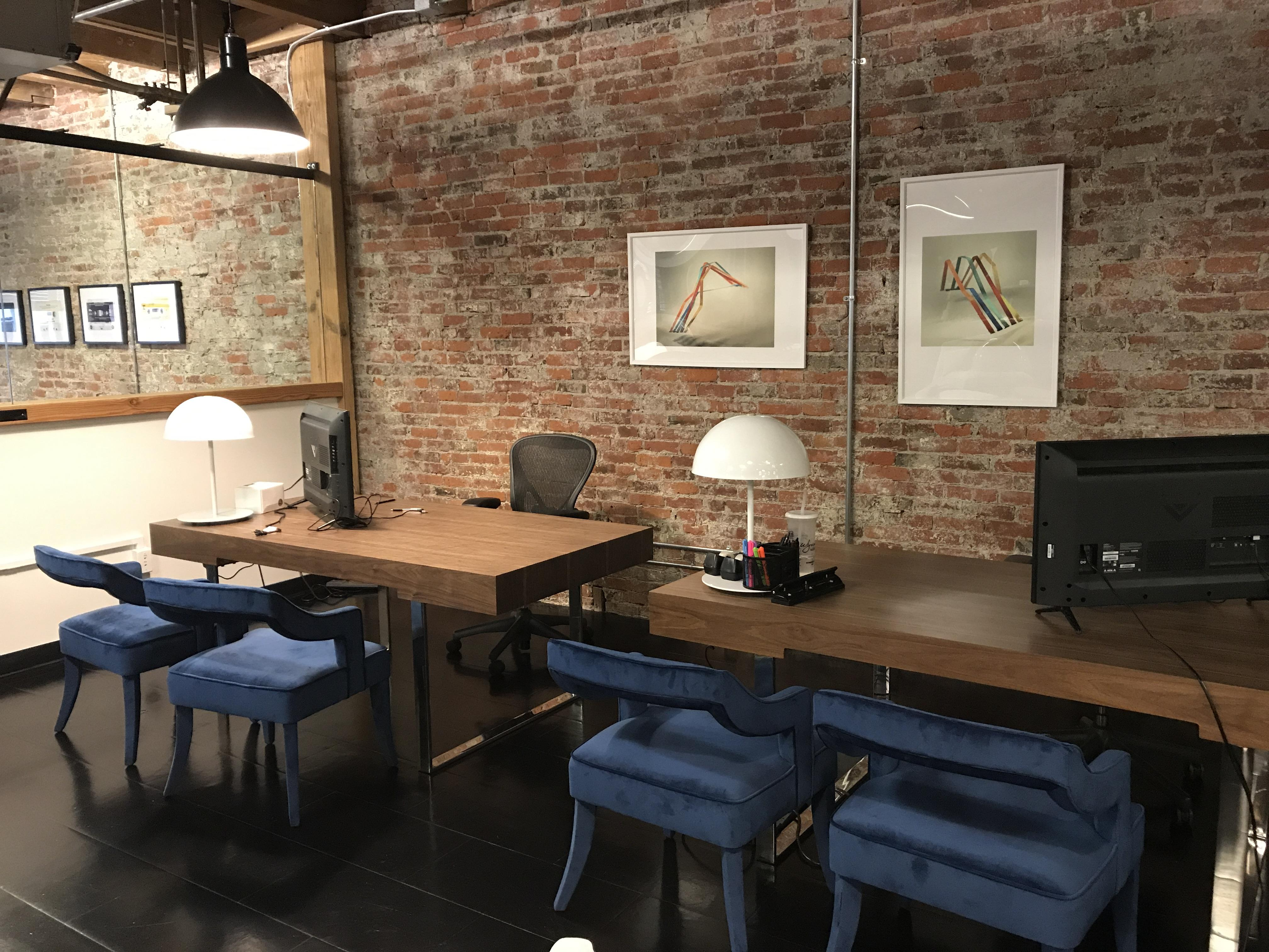 CounterPointe Co-Working Space - Desk