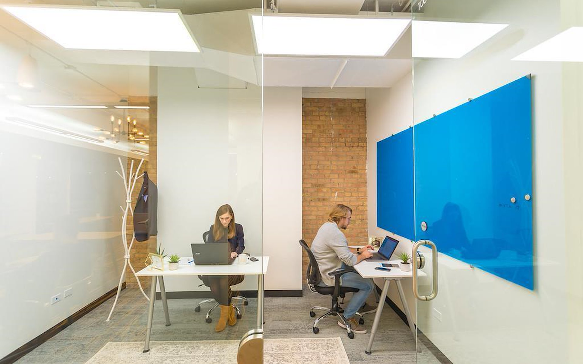 Novel Coworking Scanlan Building - Office 501