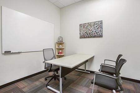 Office Evolution - Aurora - Day Office