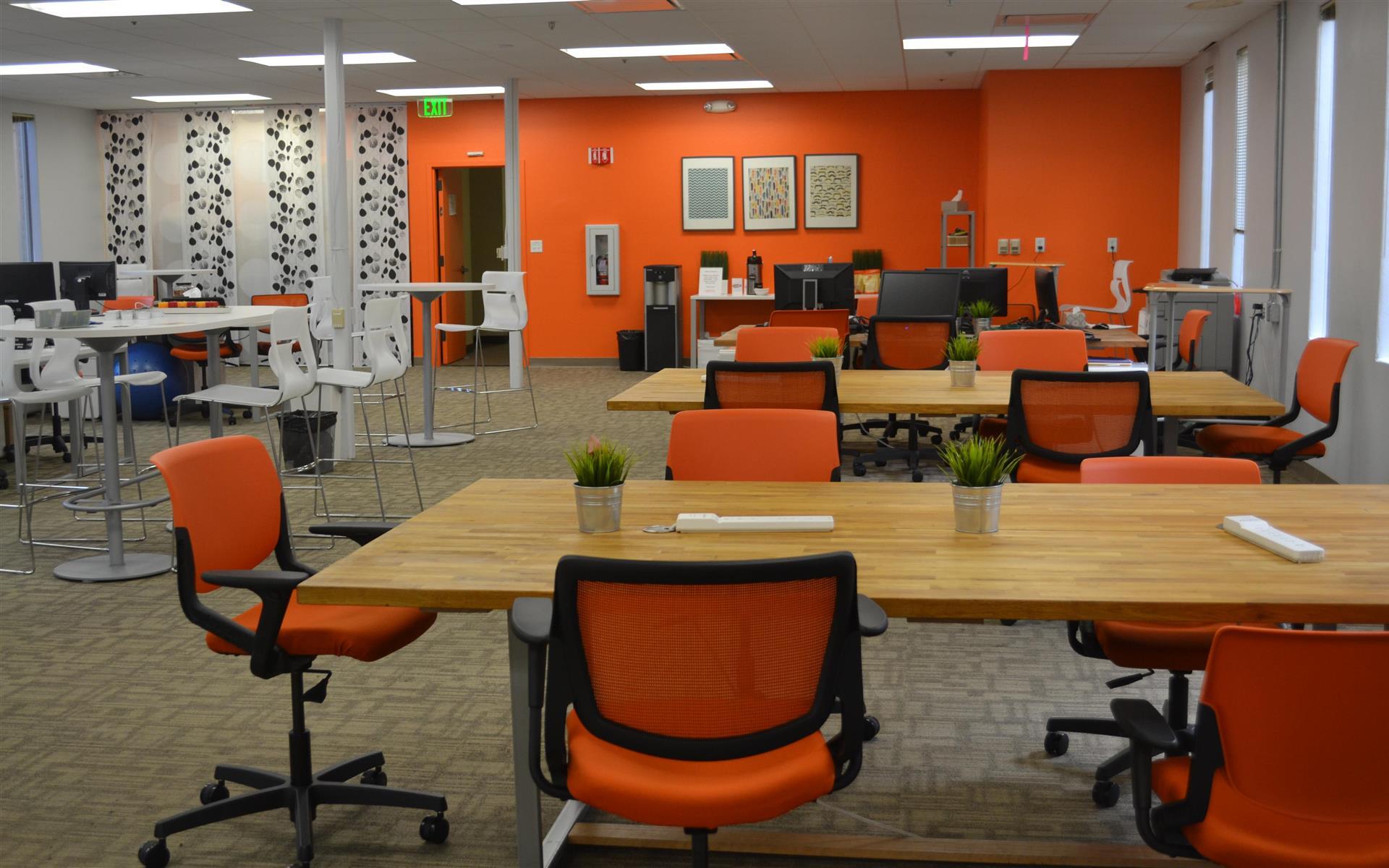 Enerspace Coworking - Team Table