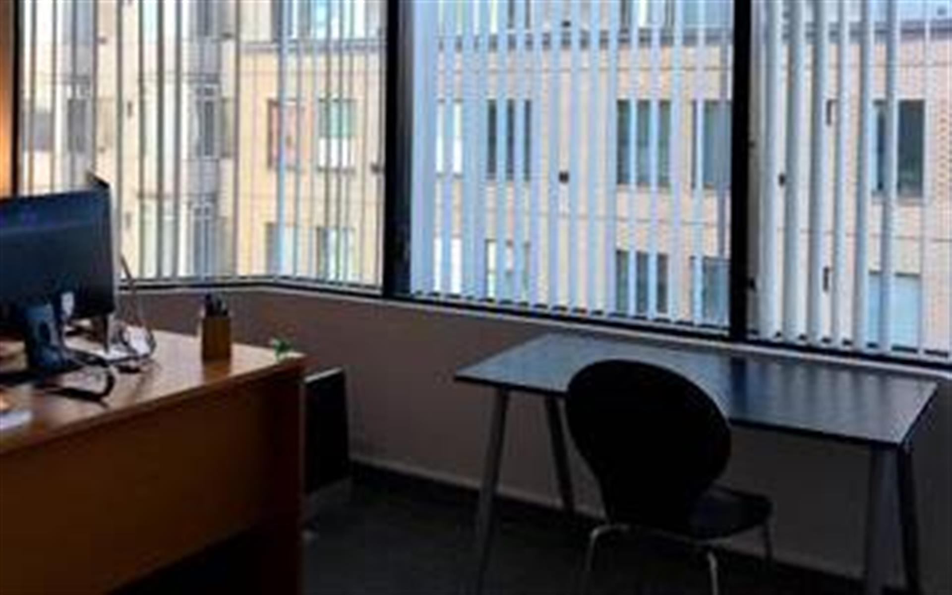PEG - Office 1