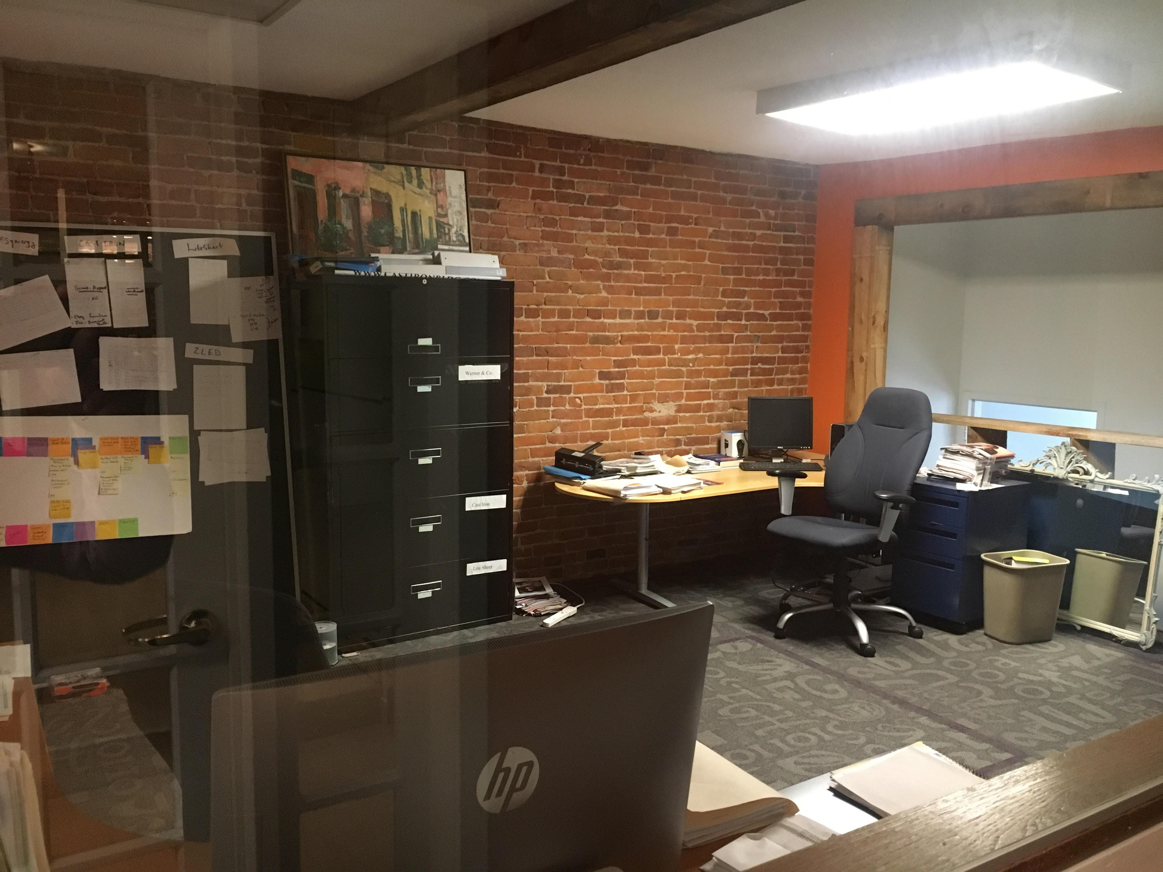 ThinkSynergy - Dedicated Desk 1
