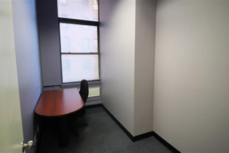 Square Office Space - 7th - Office
