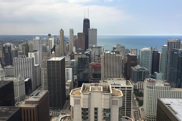 Carr Workplaces - Aon Center - Private Exterior Suite for 20 People
