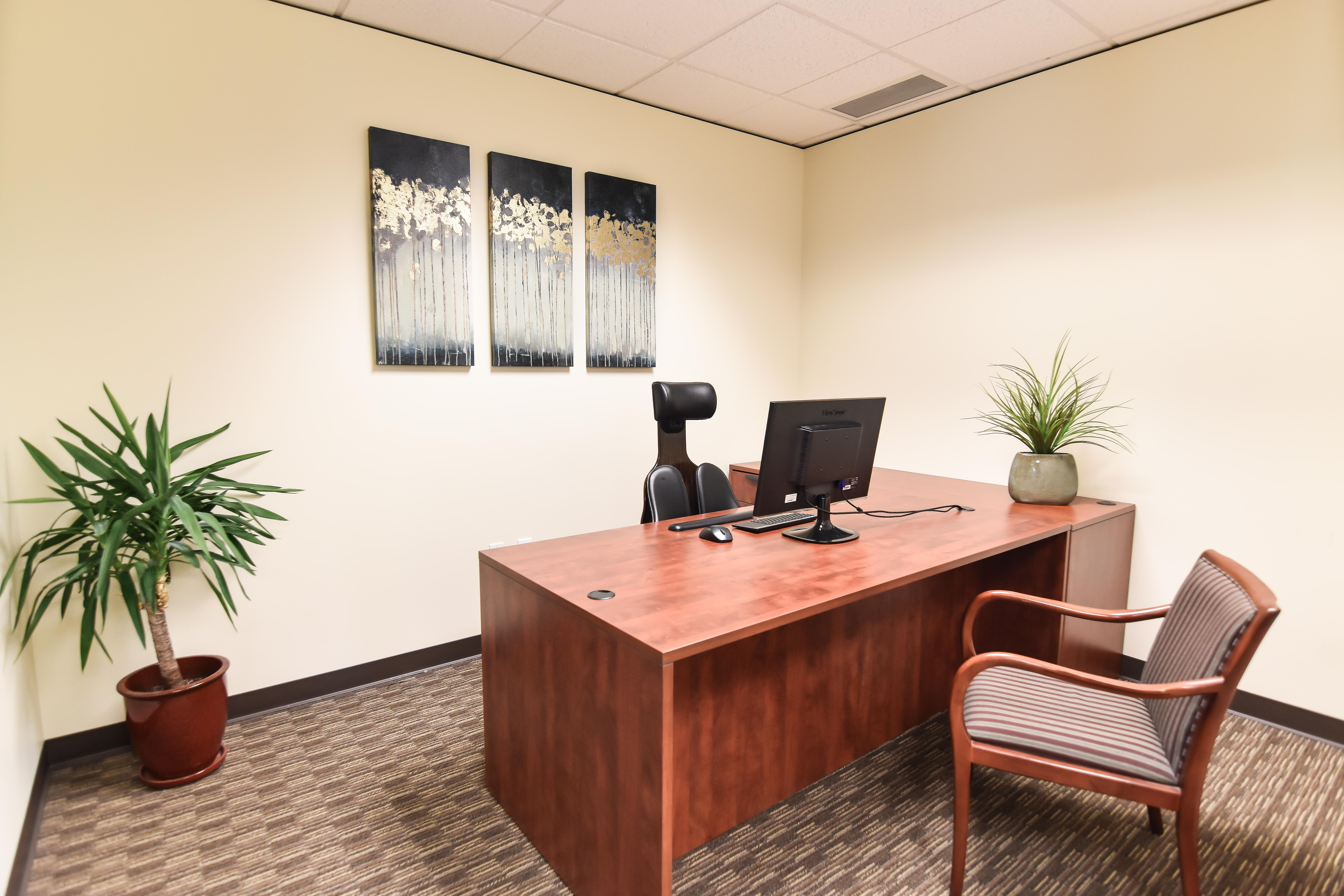 Private Window Office in Mountlake Terrace [101] - Private Office for Lawyers [103]