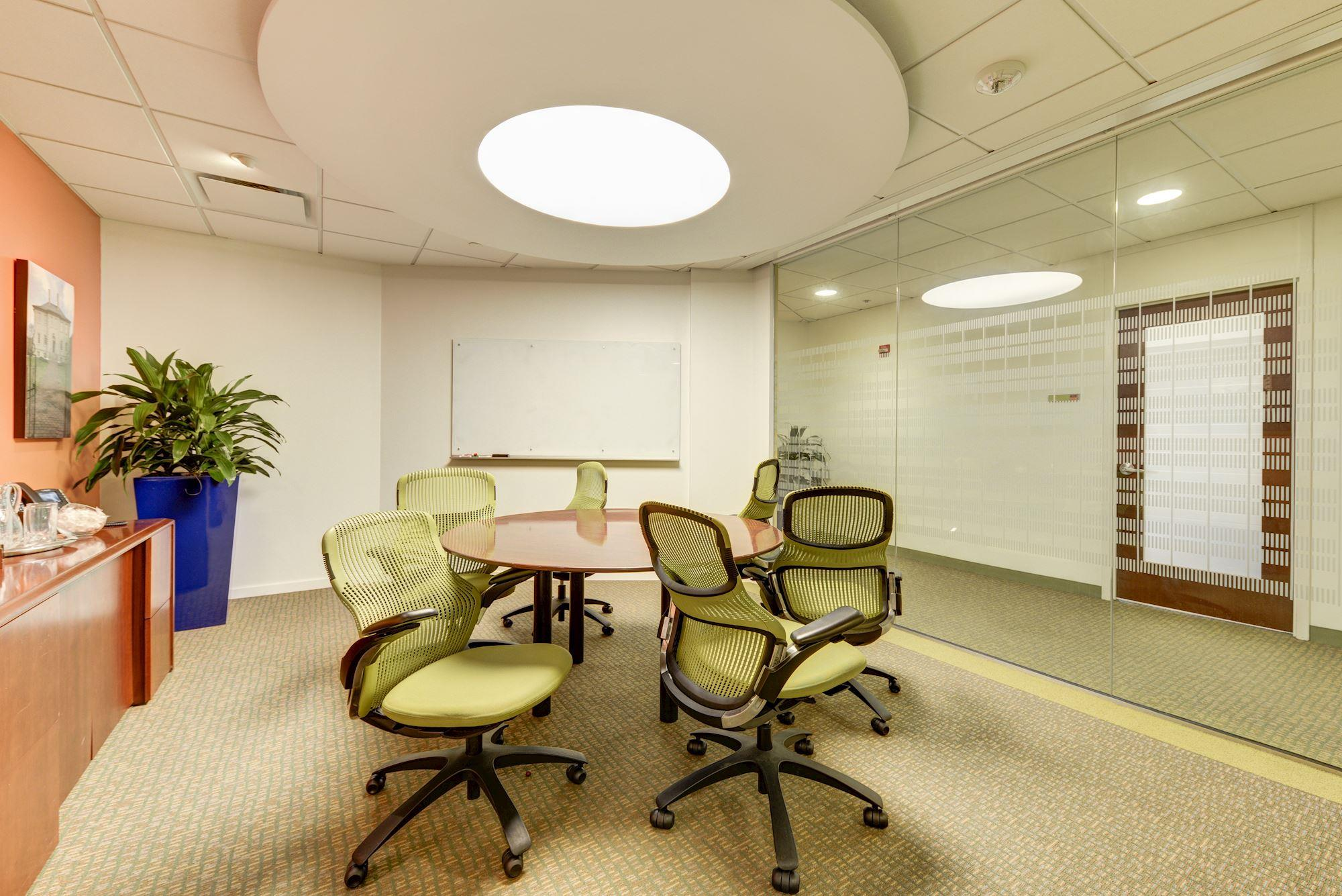 Carr Workplaces - King Street - Carlyle Meeting Room