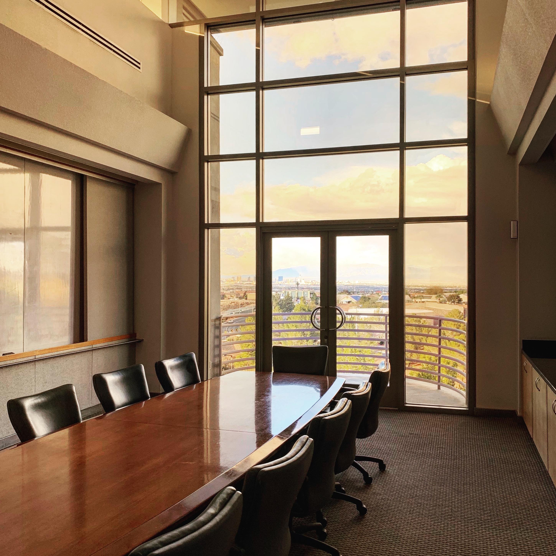 Privé Offices - Executive Boardroom
