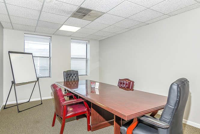 University of Attitude / Glenn Bill Group - Private Conference Room