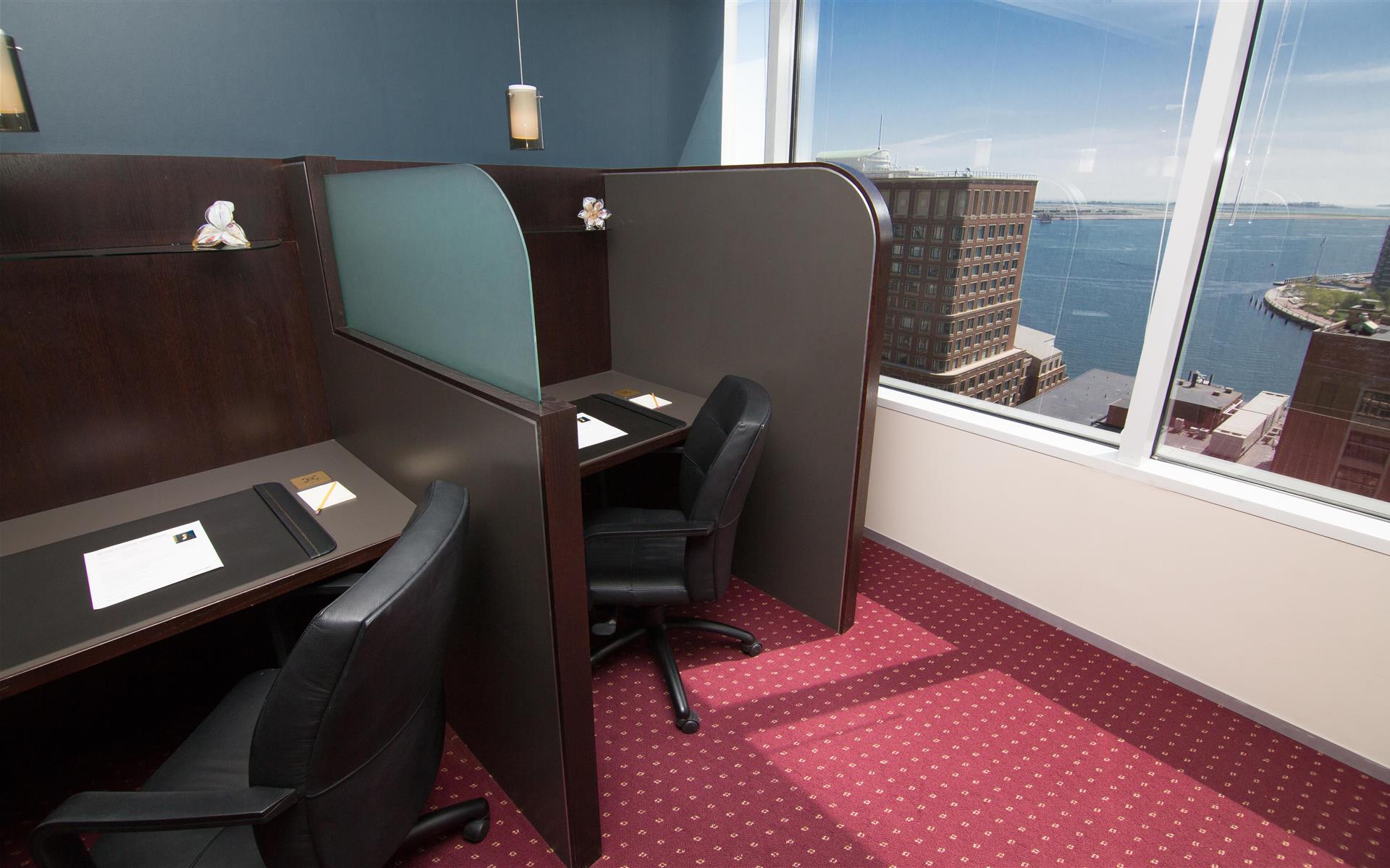 Servcorp - Boston One International Place - Coworking Lounge Workstation 1