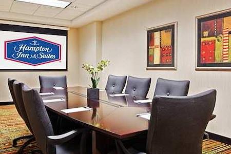 Hampton Inn & Suites Mt Prospect - Elmhurst Room