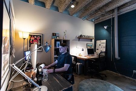 Common Desk - Deep Ellum - Private Office - 2 person