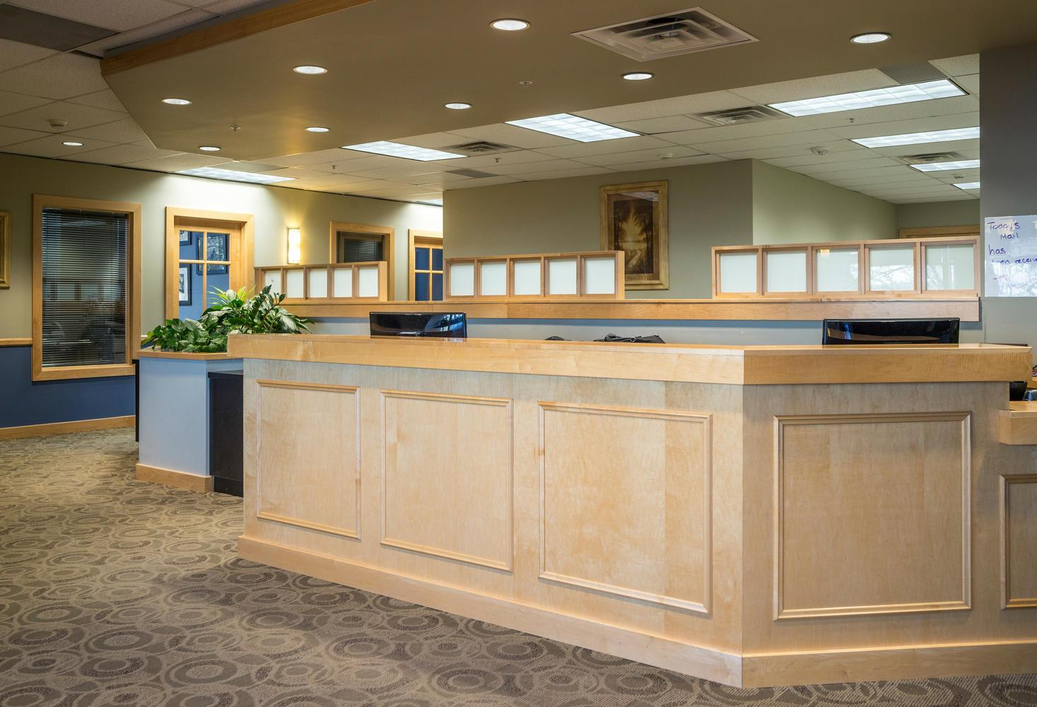 Intelligent Office Lakewood - Open Desk 1