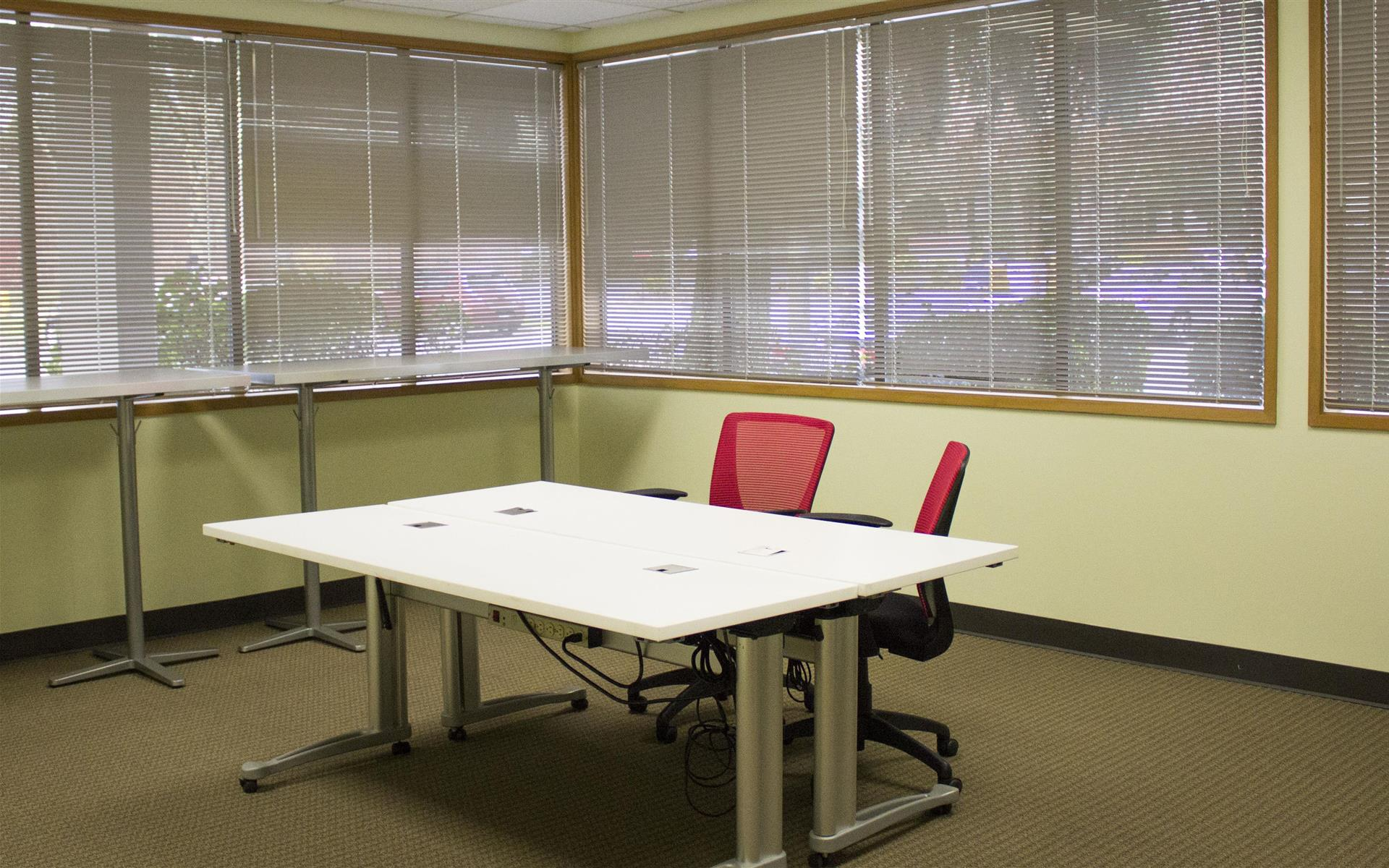 Overlake PS Business Park (Bld 17) - Earth - Training Room