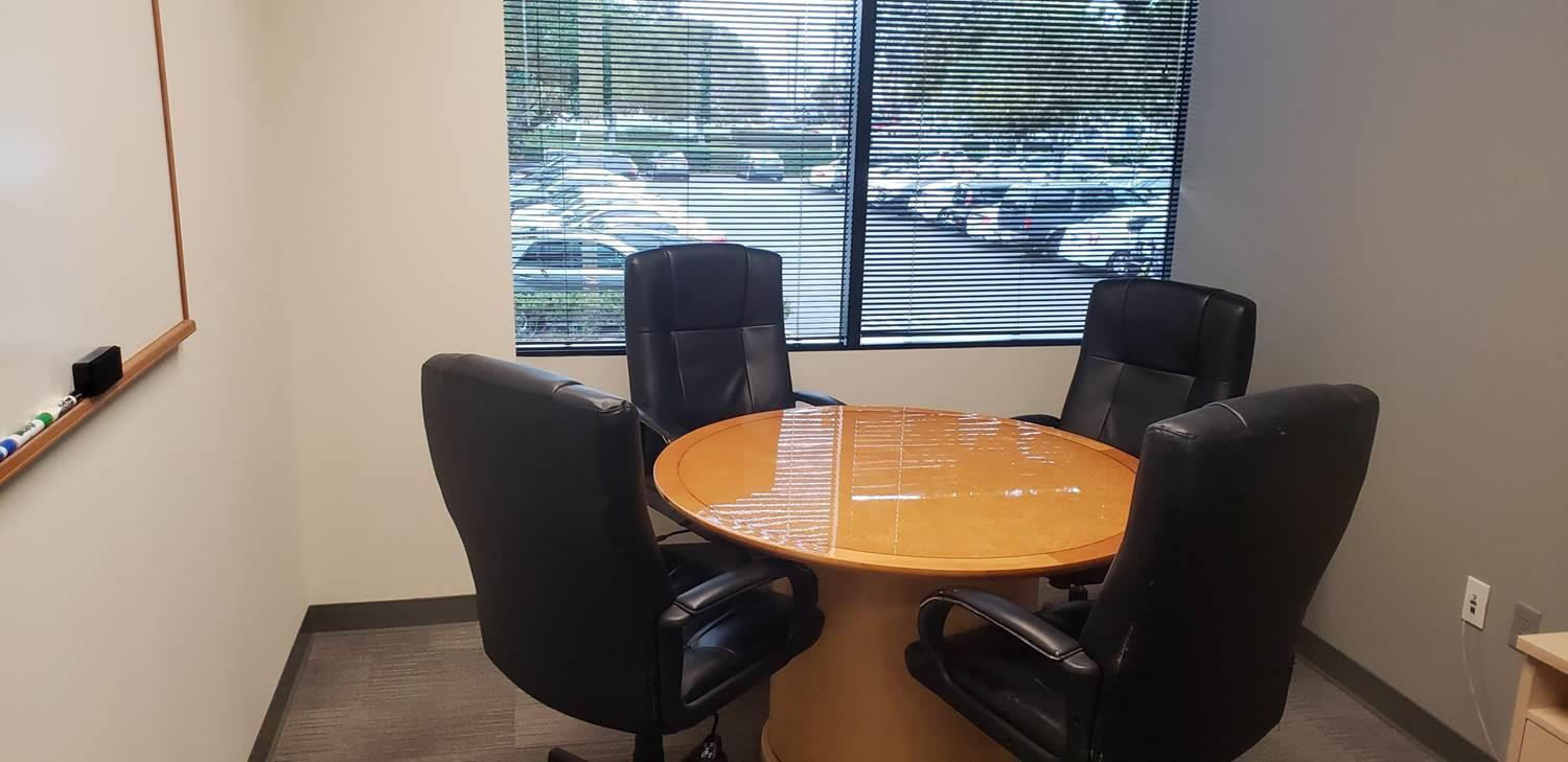 Platinum Resource Group - Small office with meeting space for 4