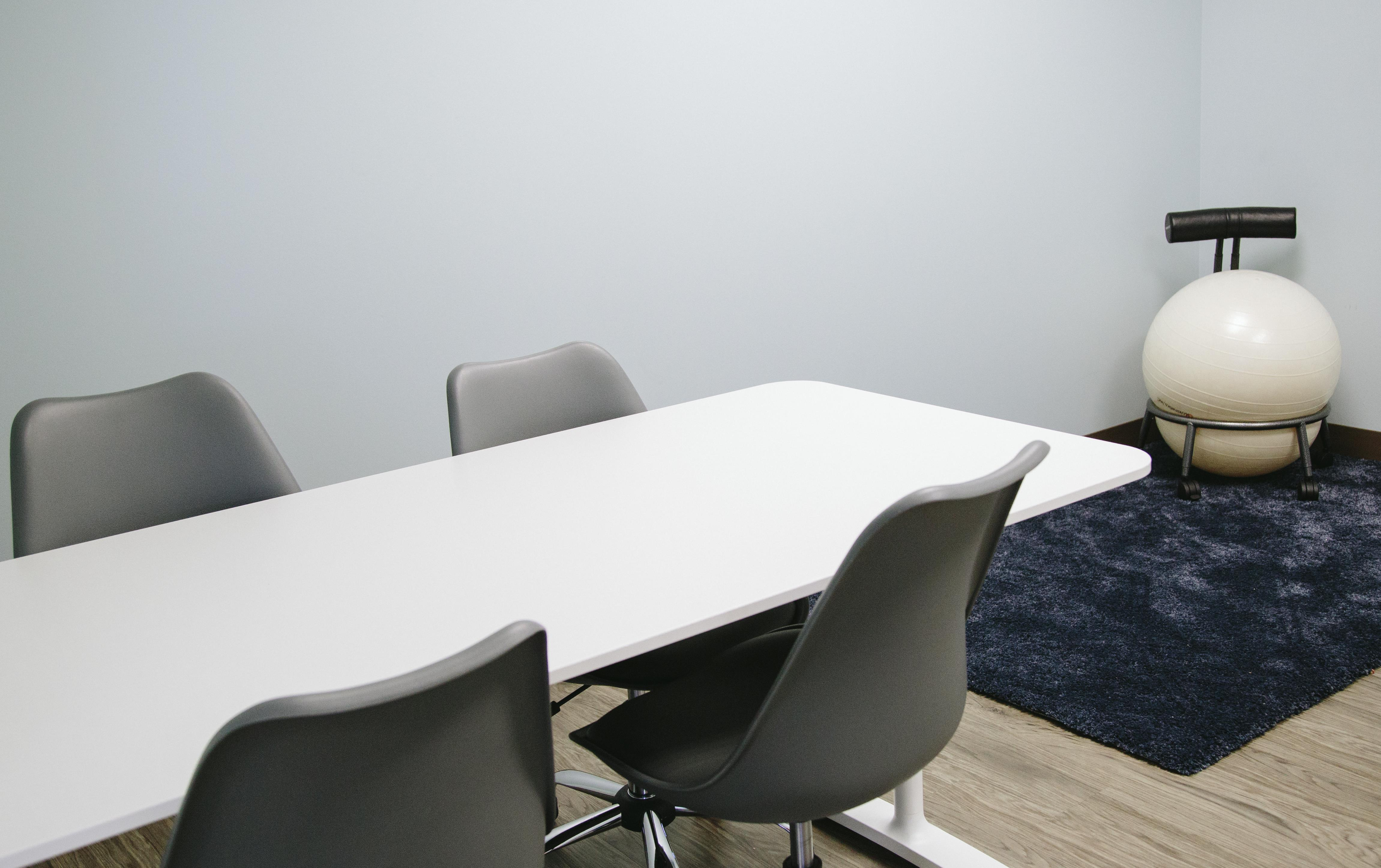 Work and Play Lounge - Dream Without Limits-Dedicated Desk
