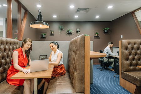 Servcorp Riparian Plaza - Coworking Hot Desk Business hour access