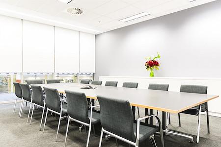 181 William Street Liquid Space - GPT Group - 181 William St - Boardroom