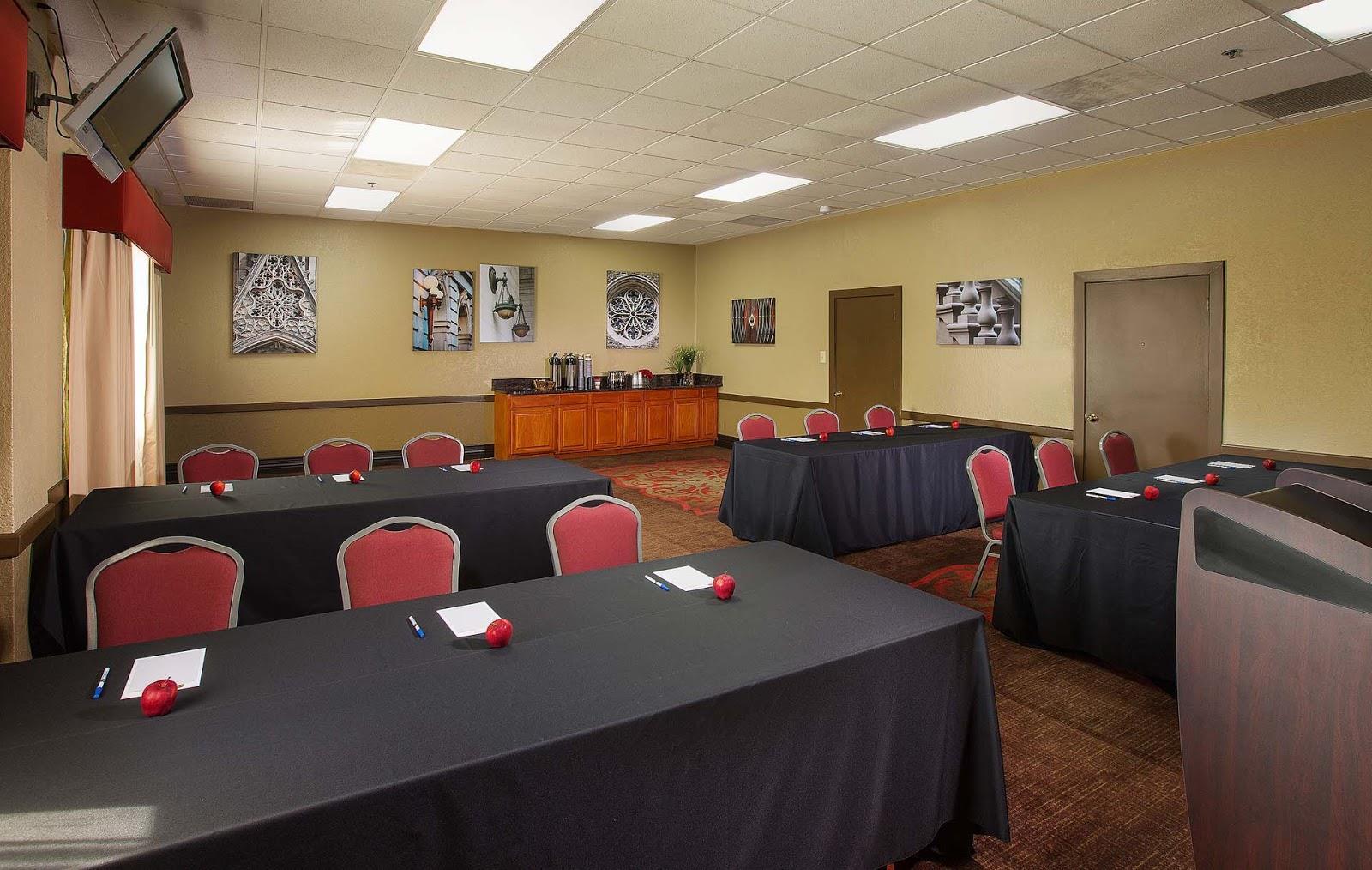 Best Western Plus The Charles Hotel - Lewis & Clark Meeting Room