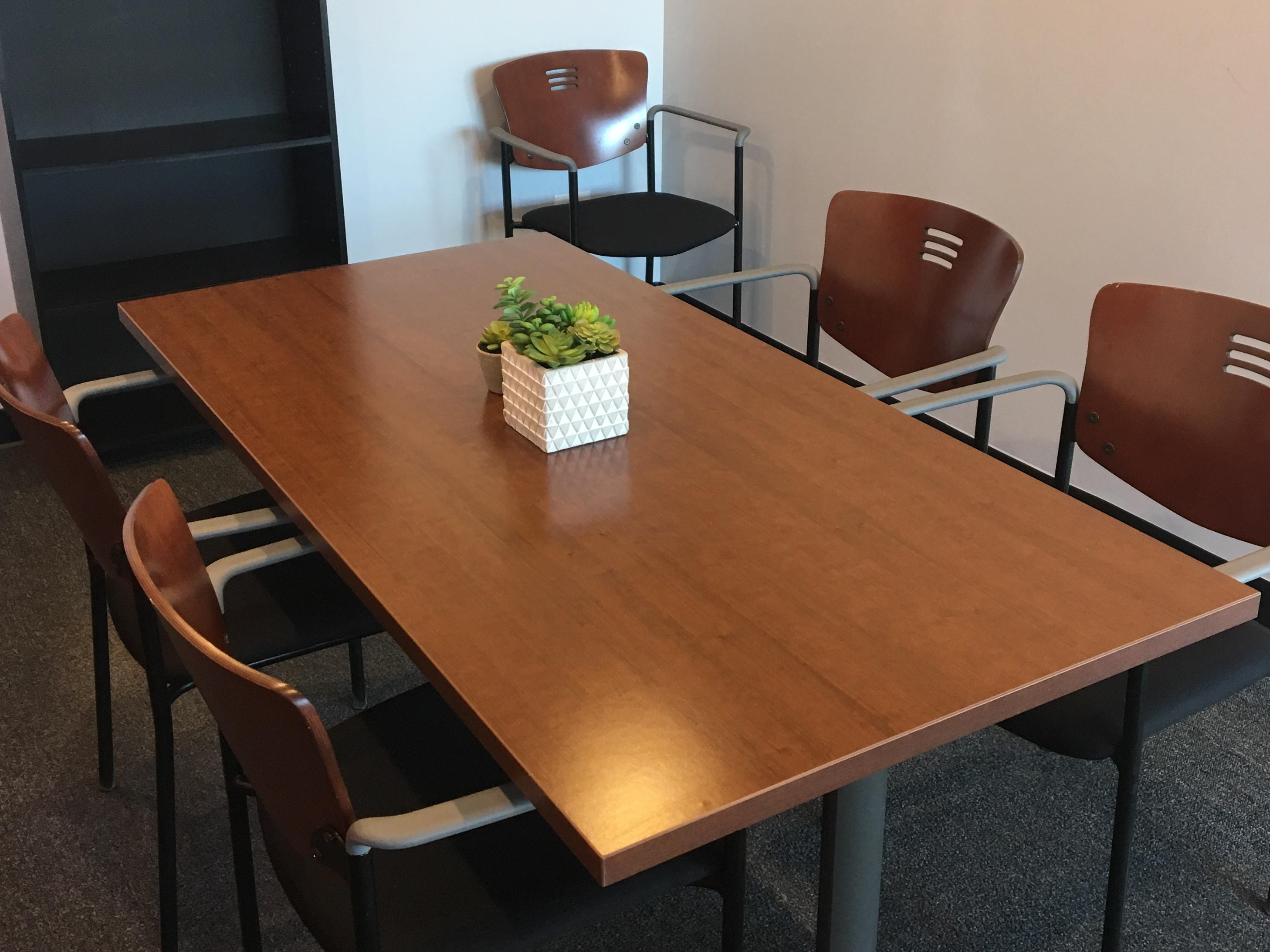 US itek, Inc. - Space to Rent - Small meeting room up to 6