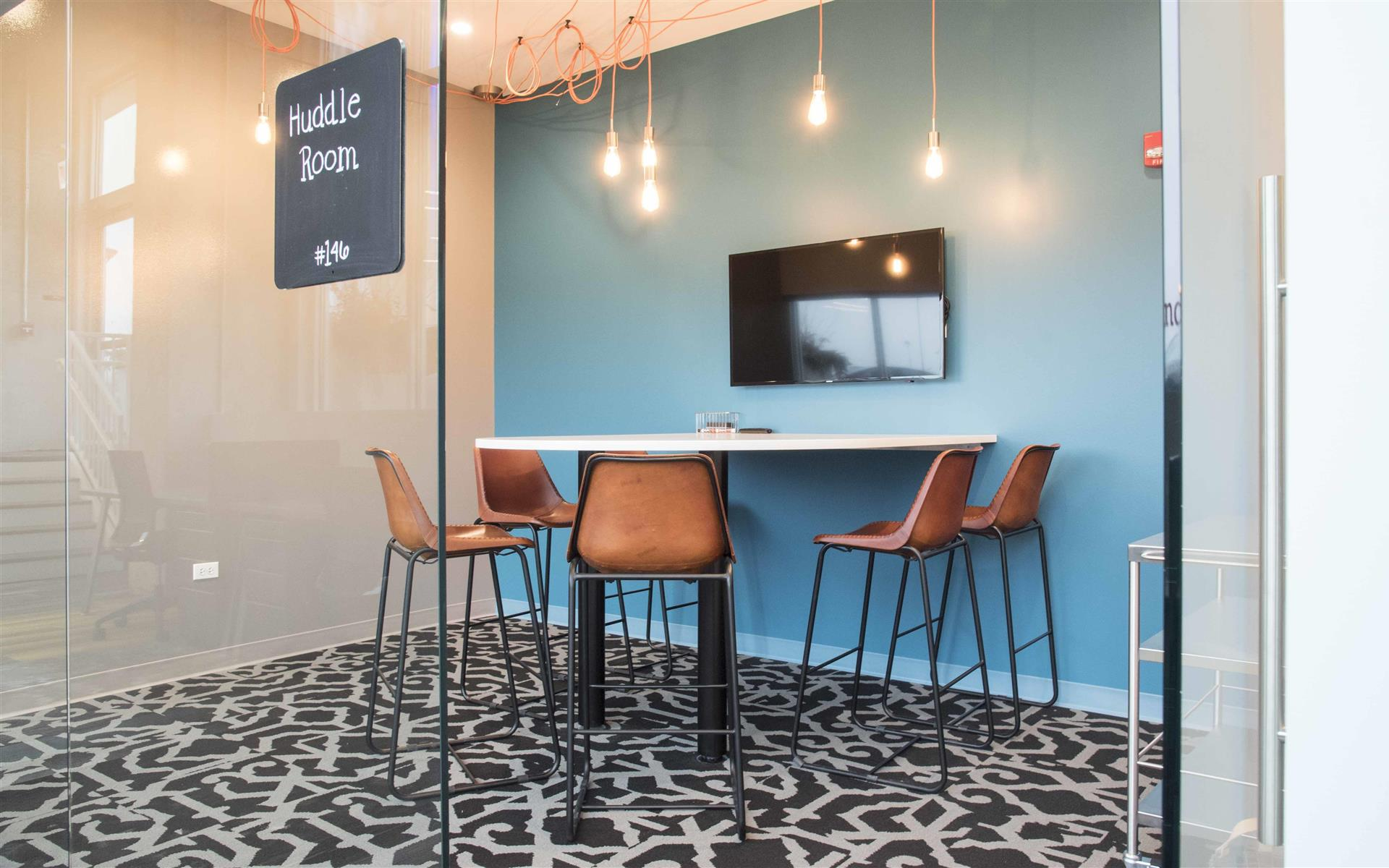 25N Coworking - Arlington Heights - Huddle Room