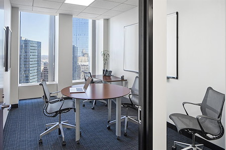 Boston Offices - One Boston Place - Conference Room with window