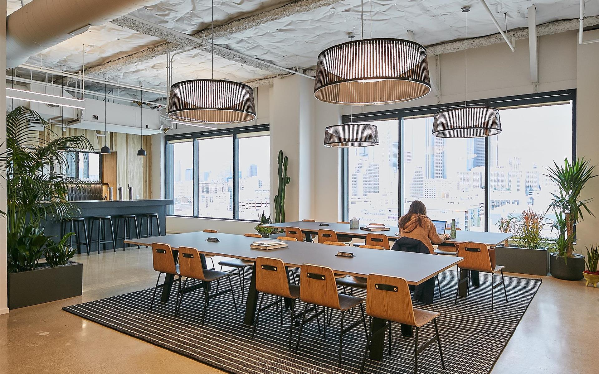 CENTRL Office Downtown Los Angeles - Open Membership Desk