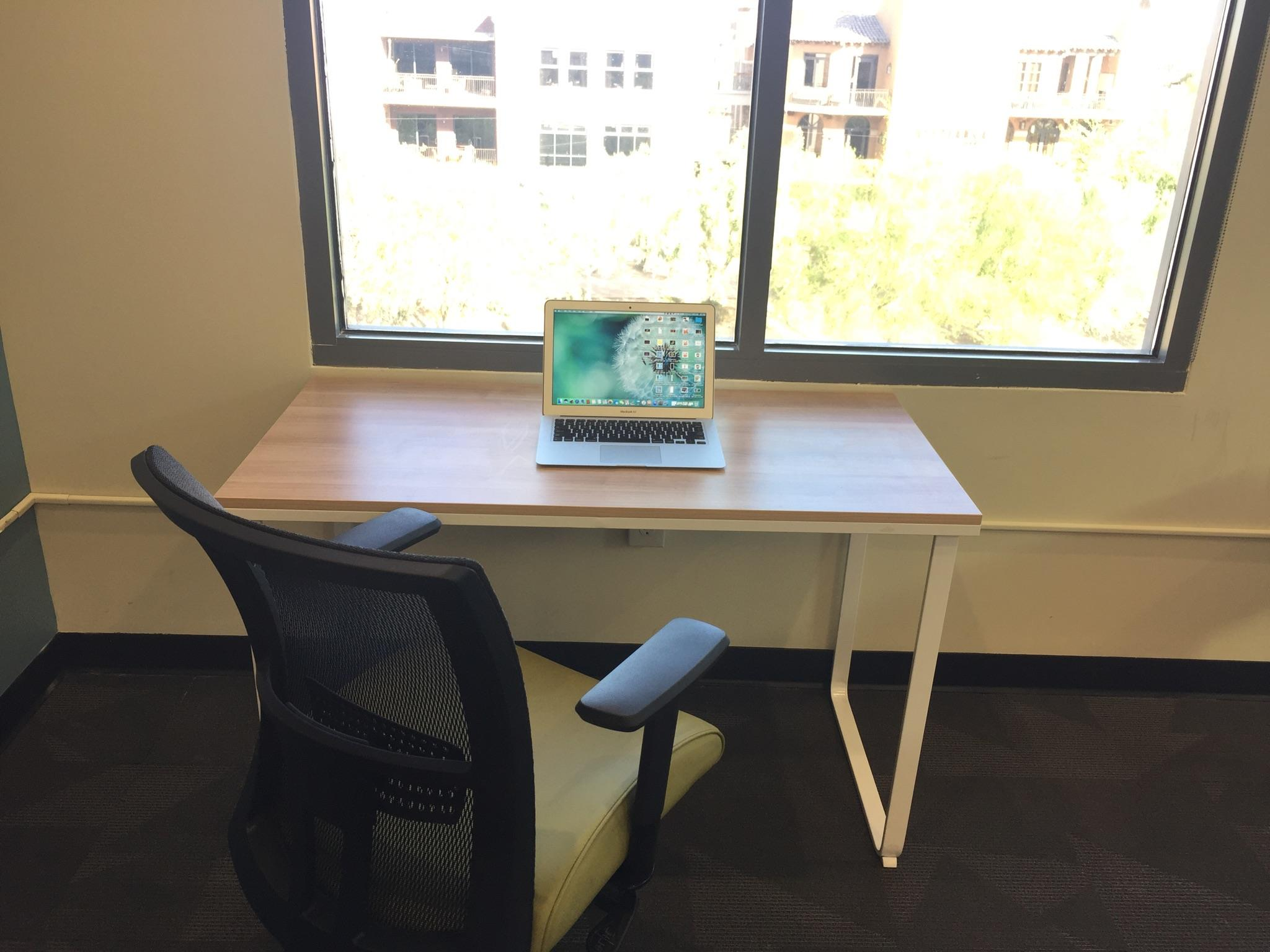 DeskHub Scottsdale - 1 Person Office