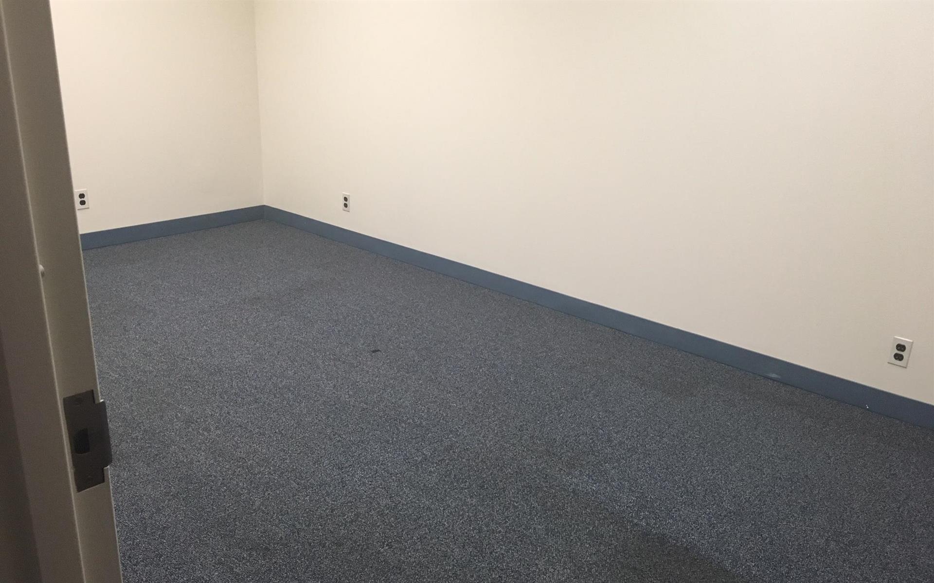 PGI Moto - Private office 102