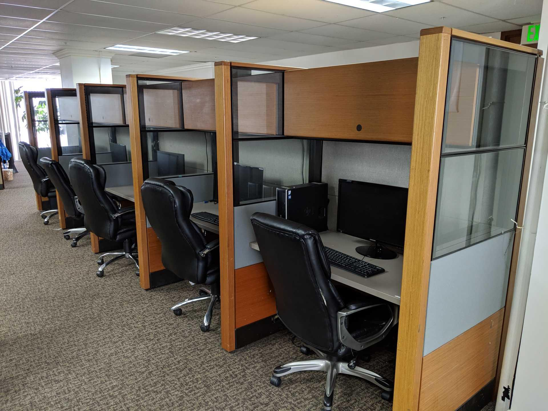 Push Live-Santa Ana - Open Cubicles with Game Area
