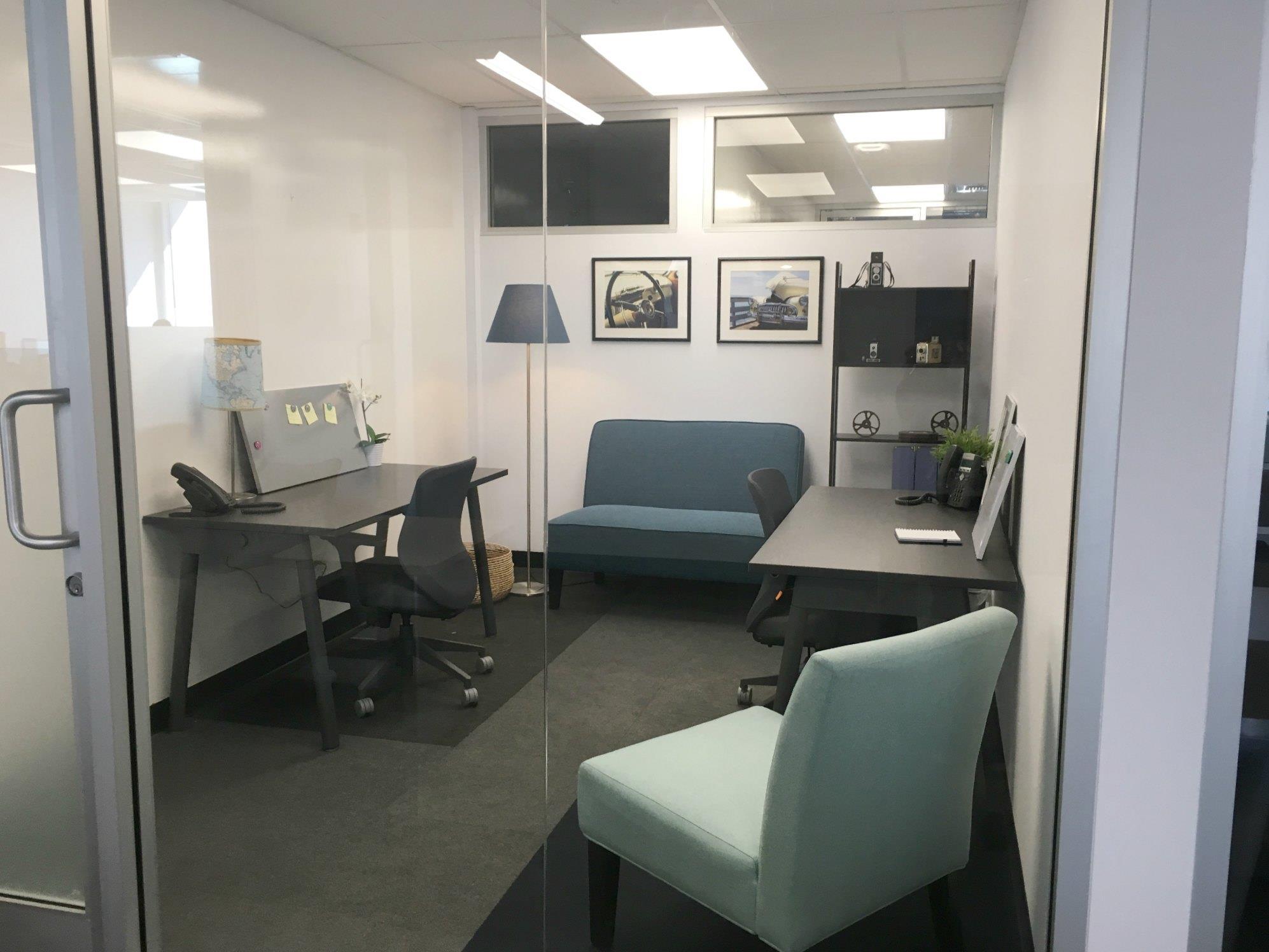 SANDHOUSE Los Angeles - Office 1